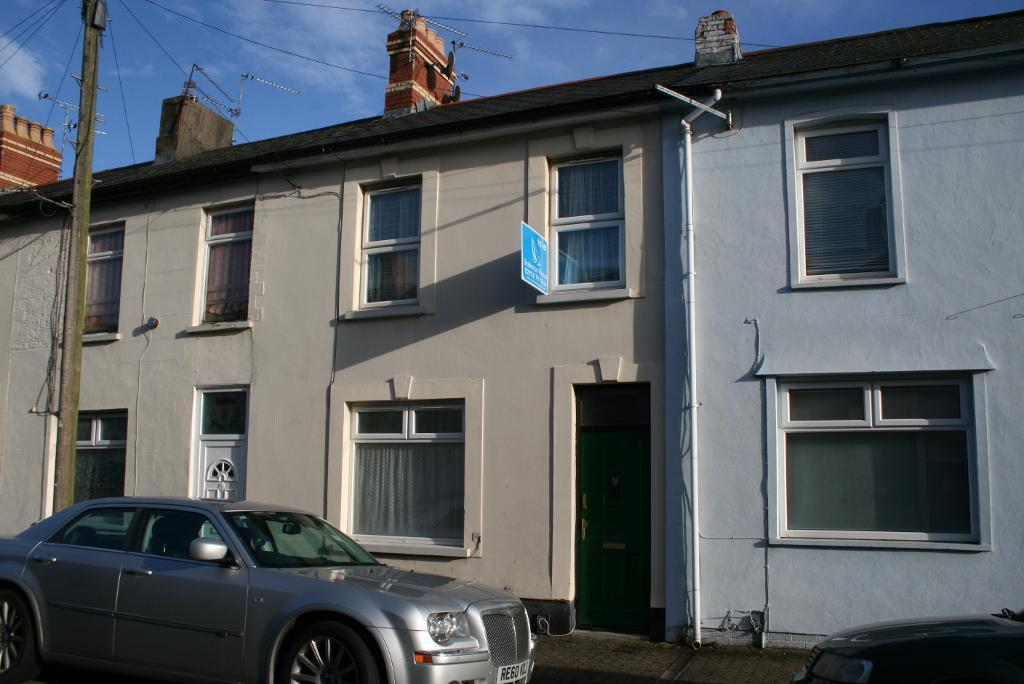 New to the market a studio apartment to rent in penarth - Living room letting agency cardiff ...
